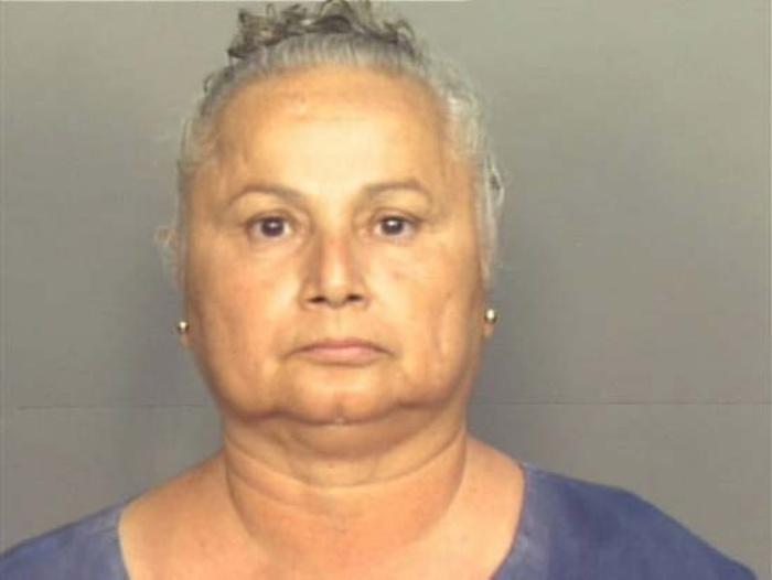 Bà ta là một người gốc Columbia được biết đến với biệt danh Nữ hoàng cocain của Miami