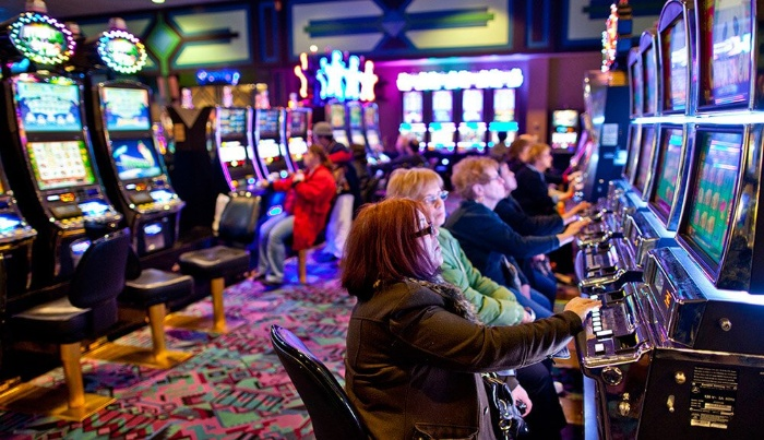 Đối tượng nào được phép vào các khu vui chơi giải trí casino?