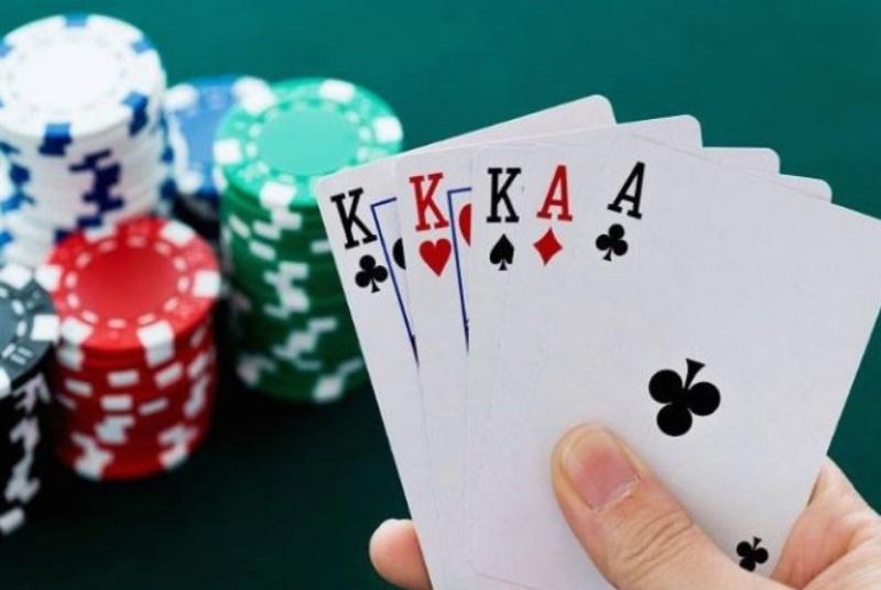 Bí quyết chơi poker dễ thắng